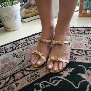 VEUC Tory Burch White and Tan Heeled Sandals